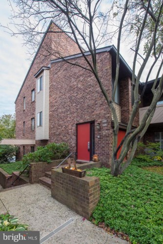 1208 MOUNTAIN VIEW DR, CHESTERBROOK, PA 19087