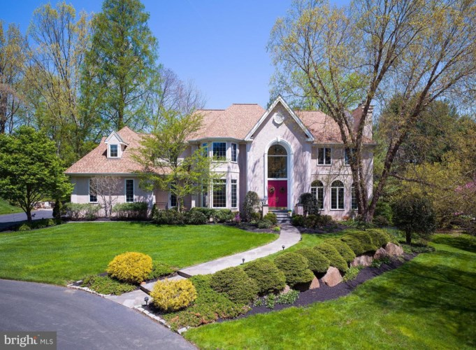 2 ARONWOLD LN, NEWTOWN SQUARE, PA 19073