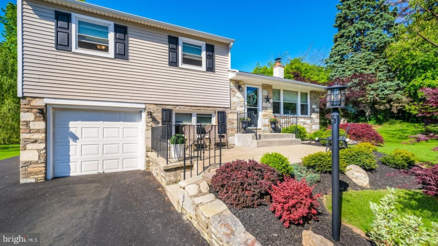 304 ROCKLEDGE AVE, HUNTINGDON VALLEY, PA 19006