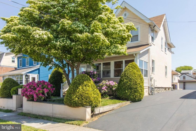 2611 CHESTNUT AVE, ARDMORE, PA 19003