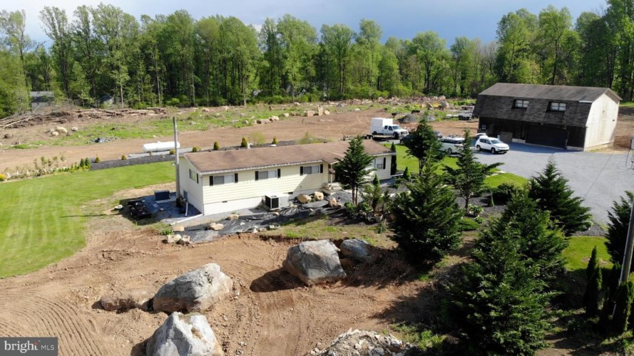 26 NEW RD, ELVERSON, PA 19520