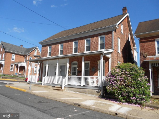 300 W 4TH ST, EAST GREENVILLE, PA 18041