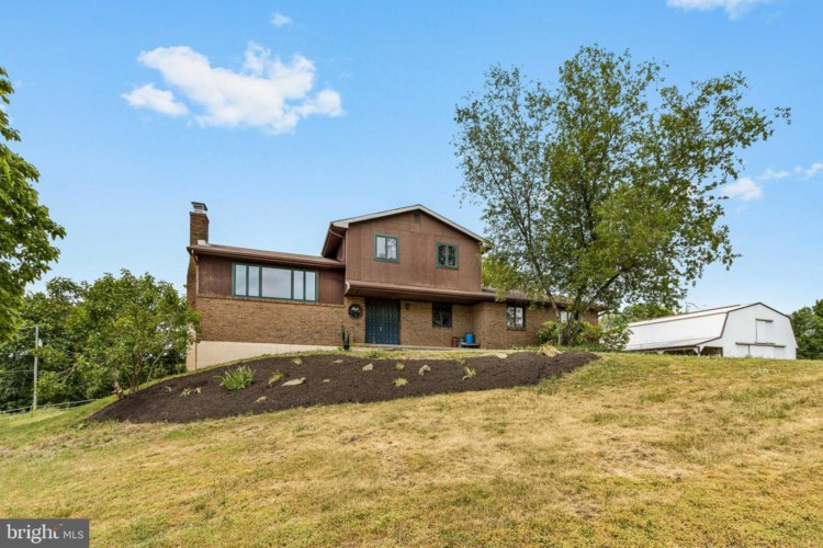 4616 TROUT LAKE RD, KEMPTON, PA 19529