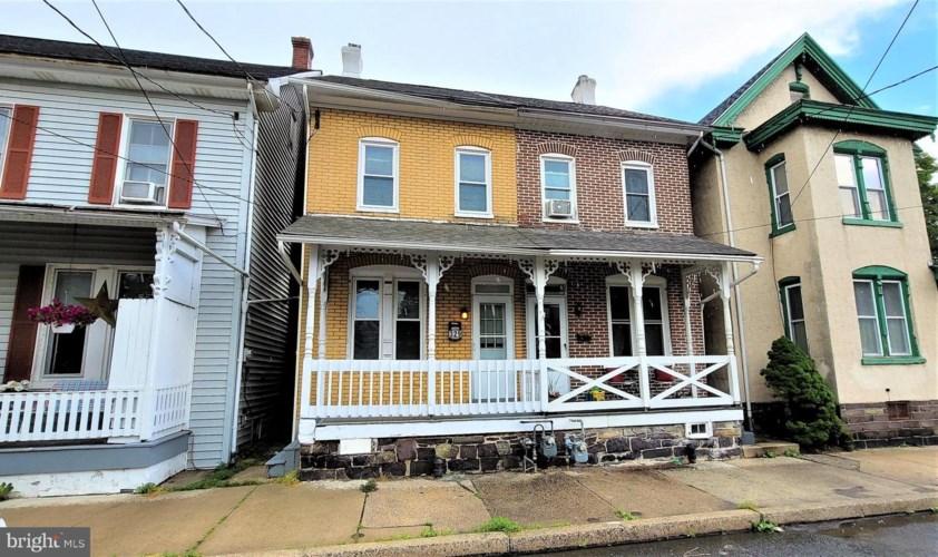 329 JEFFERSON ST, EAST GREENVILLE, PA 18041