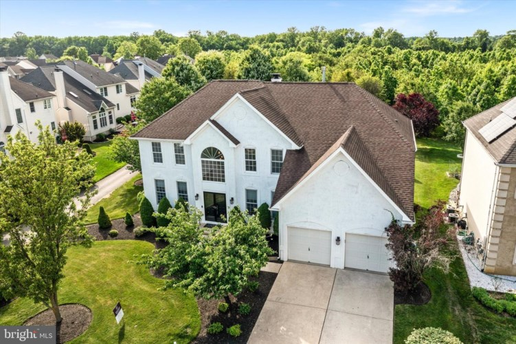 402 W COUNTRY CLUB DR, MOUNT HOLLY, NJ 08060