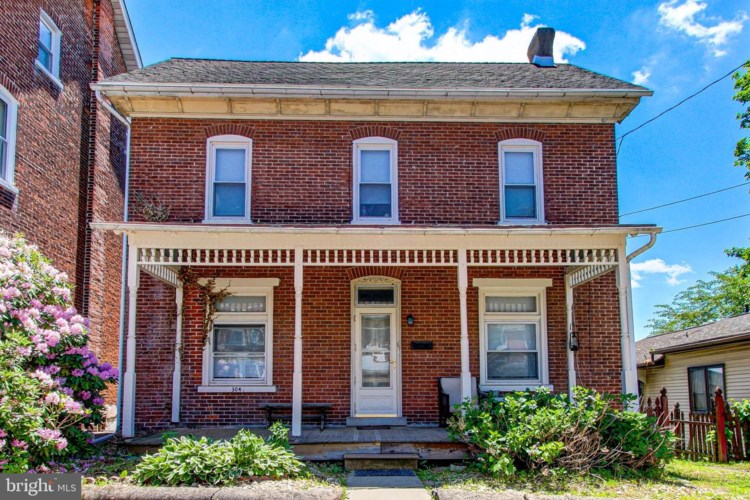 304 W 4TH ST, EAST GREENVILLE, PA 18041
