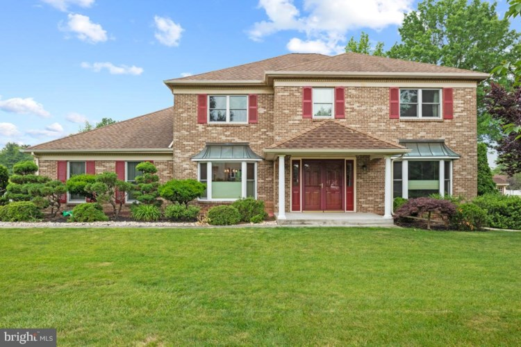 616 COLLINS AVE, LANSDALE, PA 19446