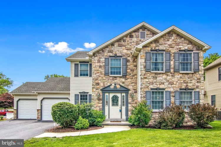 101 HILLTOP CT, CAMP HILL, PA 17011