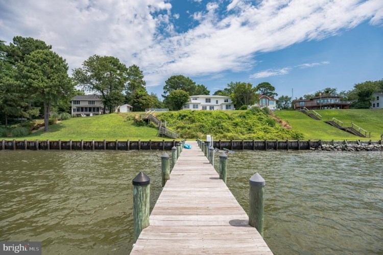 341 OVERLOOK DR, LUSBY, MD 20657