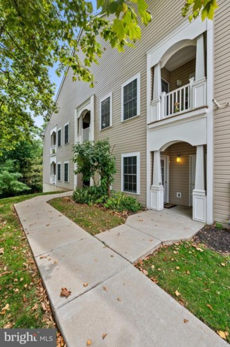 1324 WEST CHESTER PIKE #201, WEST CHESTER, PA 19382