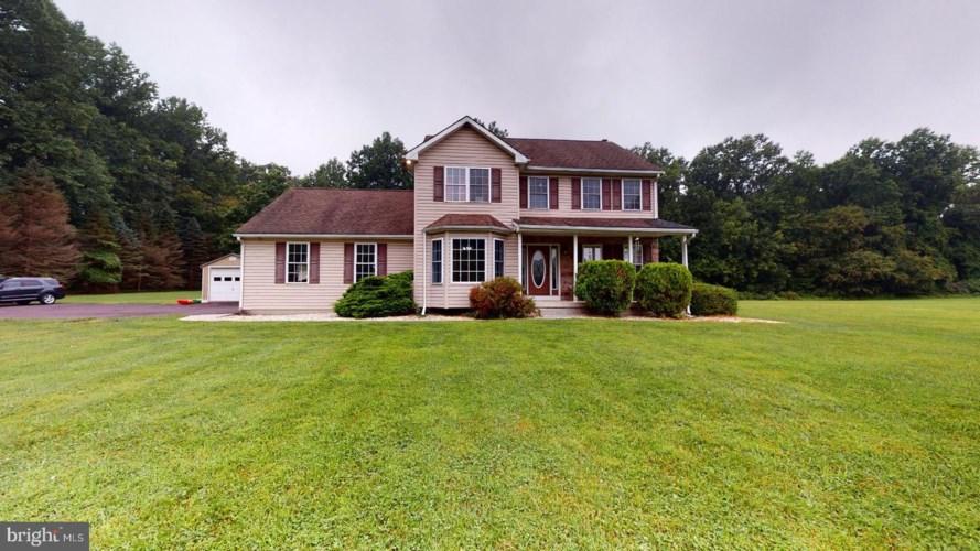 8670 HENSINGERSVILLE RD, MACUNGIE, PA 18062