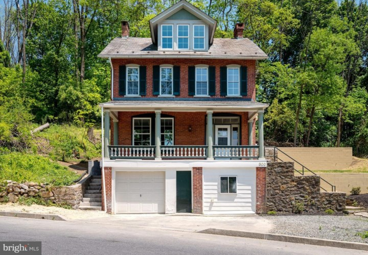 300 CRYSTAL ROCK RD, READING, PA 19605
