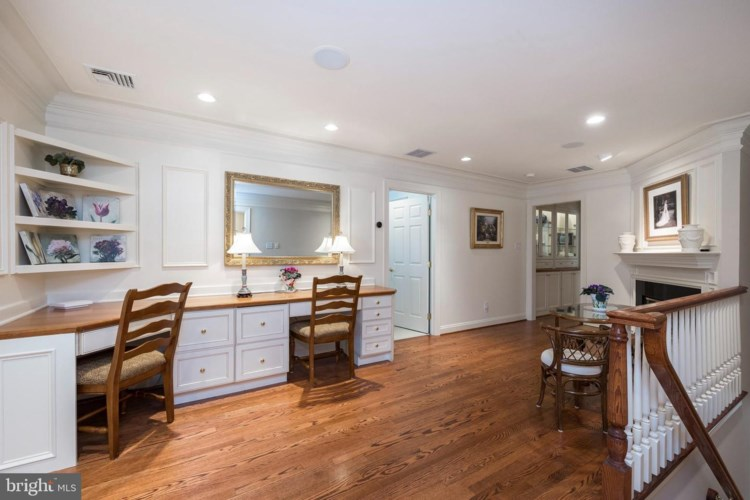 100 WOODALE DR, KENNETT SQUARE, PA 19348