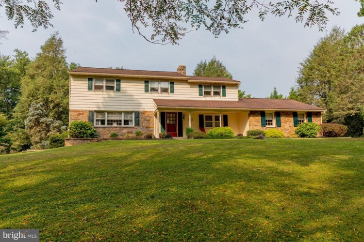 30 LOCHWOOD LN, WEST CHESTER, PA 19380