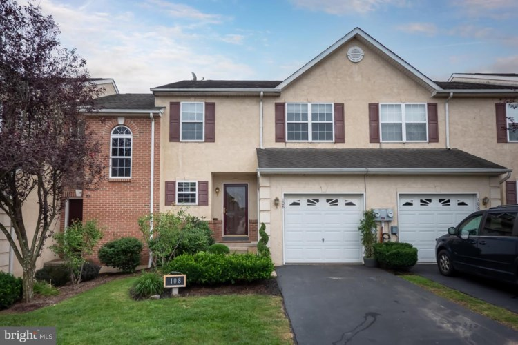 108 HILLCOURT DR, RED HILL, PA 18076