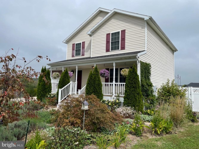 100 PEGGY CT, BUNKER HILL, WV 25413