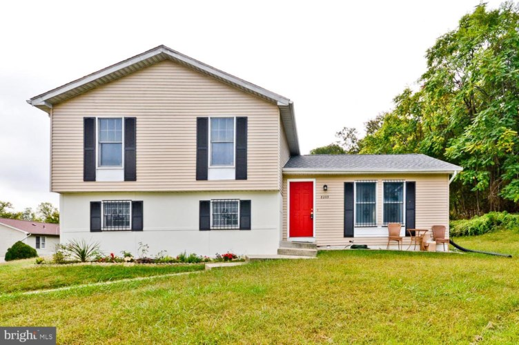 8203 SELKIRK CT, DISTRICT HEIGHTS, MD 20747