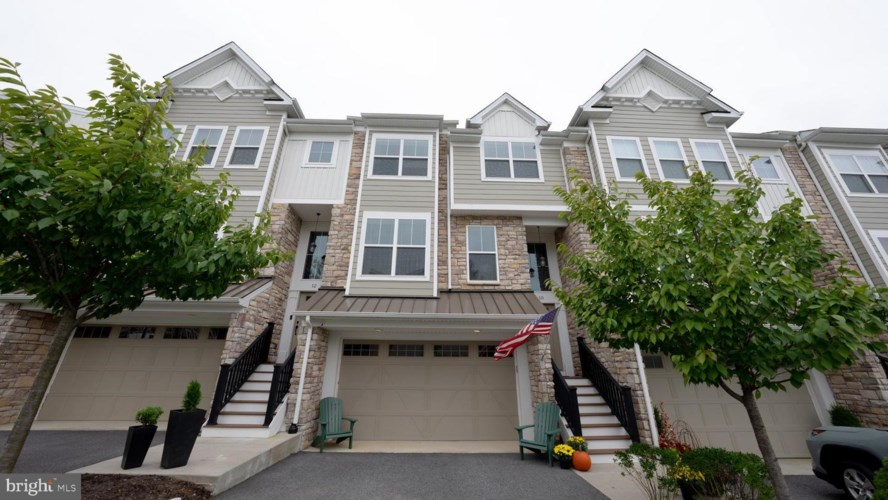 10 NEW COUNTRYSIDE DR, WEST CHESTER, PA 19382