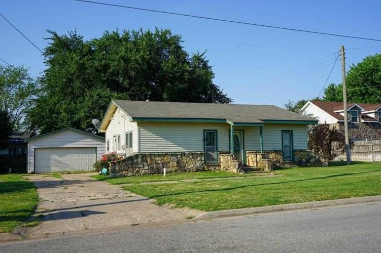 411 W AVENUE D CT, Garden Plain, KS 67050