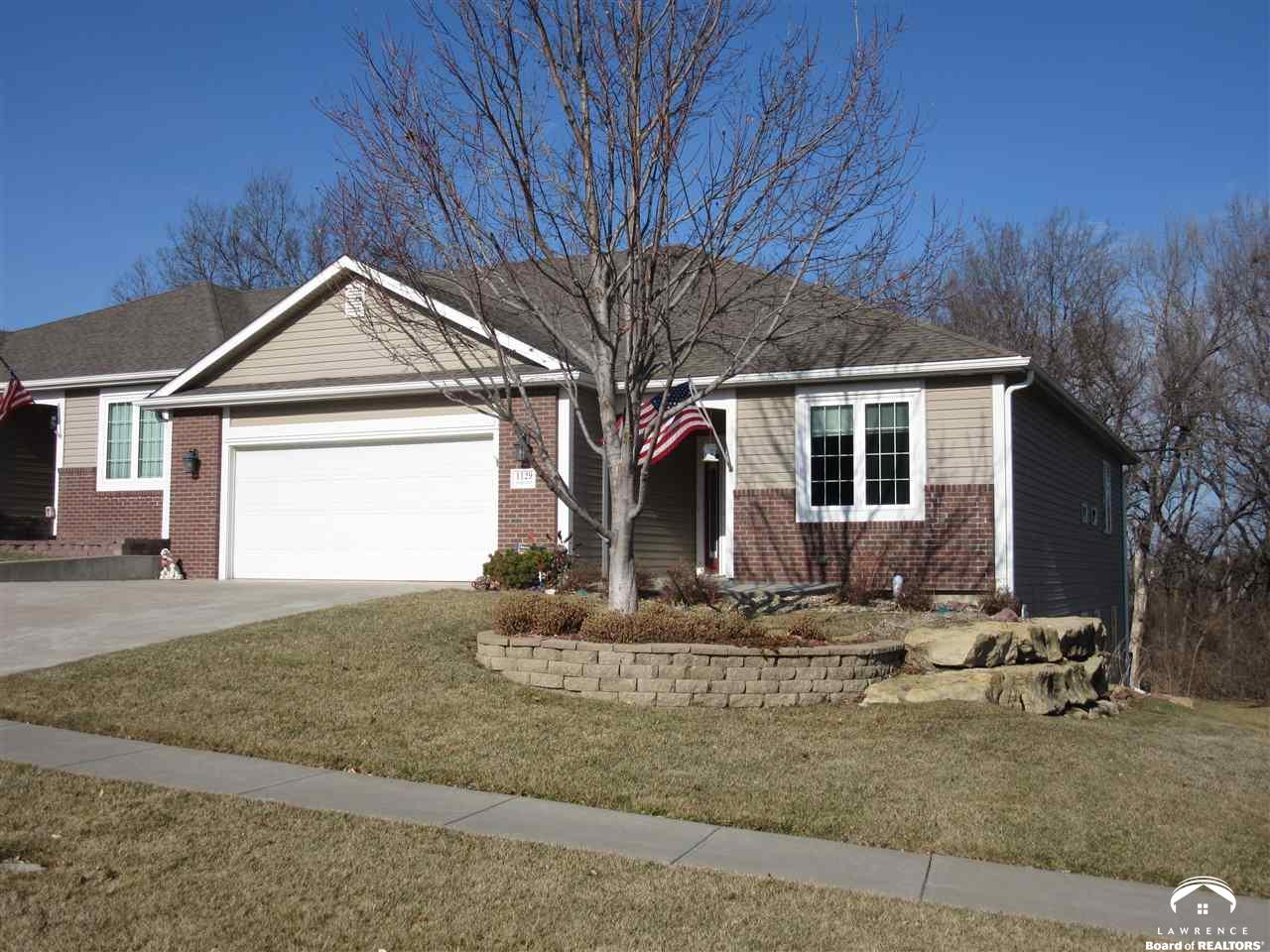 1129 SW Red Oaks Place, Topeka, KS 66615