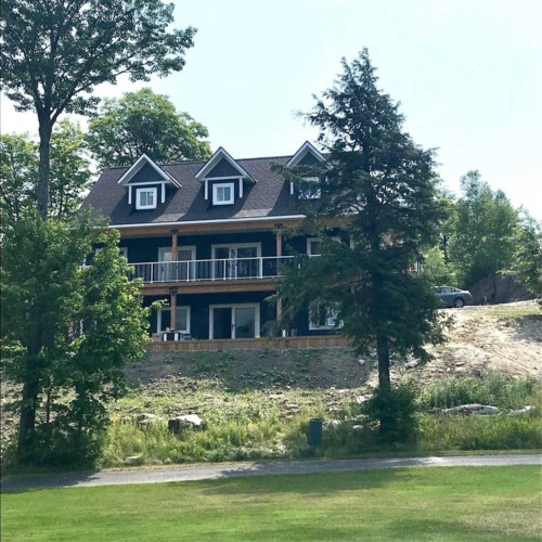 17 Deerhurst Highlands Dr, Huntsville, ON P1H1B1