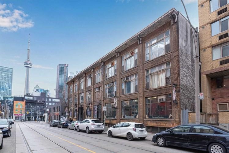 14 Mccaul St, Toronto, ON M5T1V6