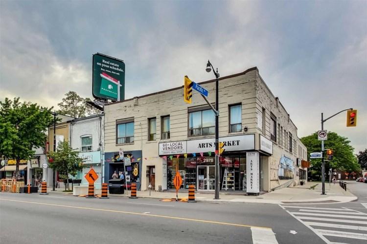 2978-88 Dundas St W, Toronto, ON M6P 1Z3