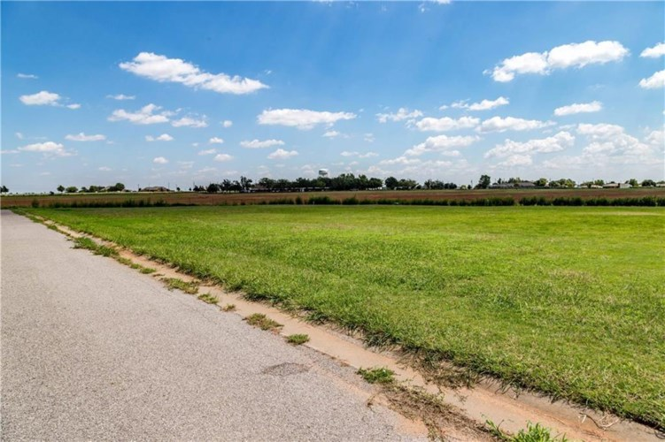 RUSSELL AVE UNIT#15, Cordell, OK 73632