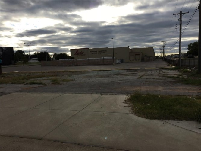 1310 N KICKAPOO ST, Shawnee, OK 74801