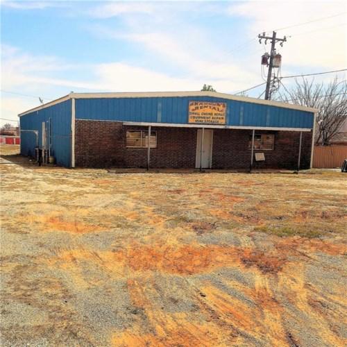 1811 N HARRISON, Shawnee, OK 74804