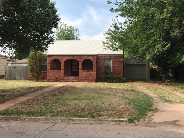 1512 W 2ND, Elk City, OK 73644