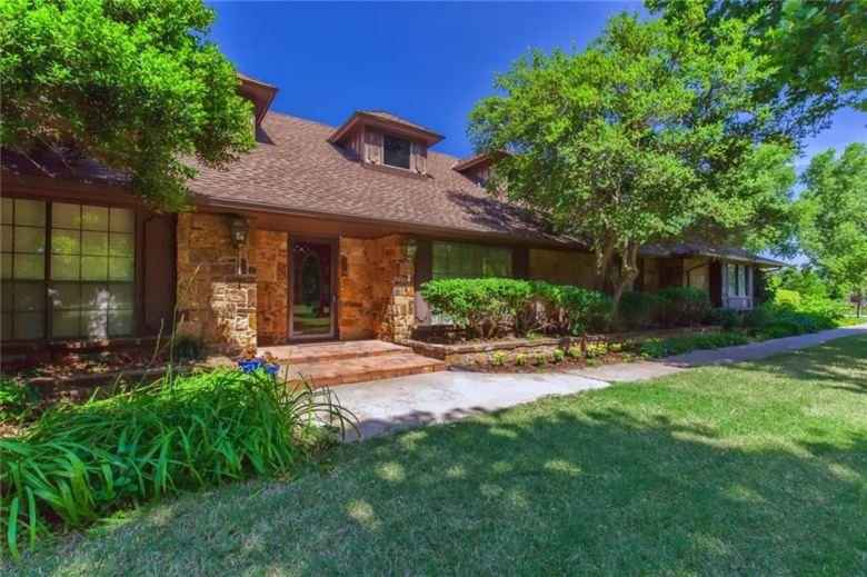 107 DEER CREEK RD, Edmond, OK 73012