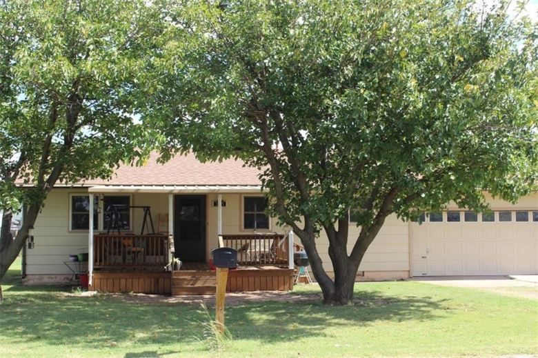 205 PARKER, Lone Wolf, OK 73655