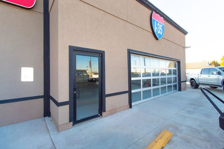 9229 S I 35 SERVICE RD, Moore, OK 73160