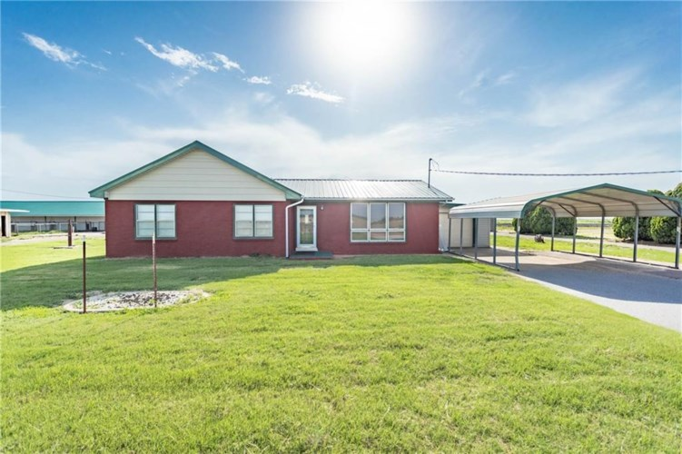 15289 US HIGHWAY 283 HWY, Blair, OK 73526