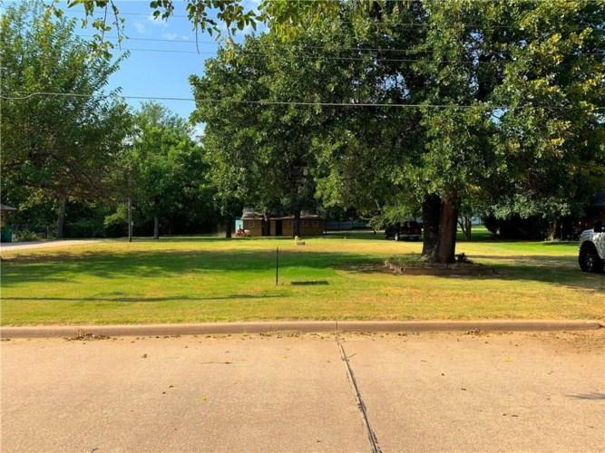 7829 NW 14TH ST, Oklahoma City, OK 73127