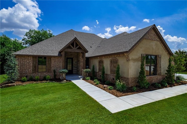 10608 GOBBLERS ROOST RD, Oklahoma City, OK 73173