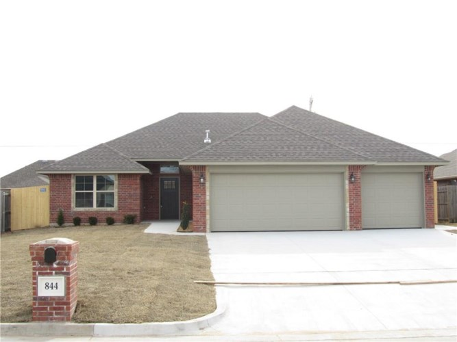 844 SW 10TH ST, Moore, OK 73160