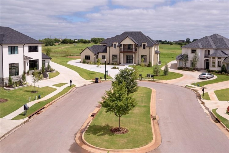 17812 BLUE HERON, Edmond, OK 73012