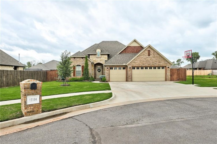 12104 SW 46TH CT, Mustang, OK 73064