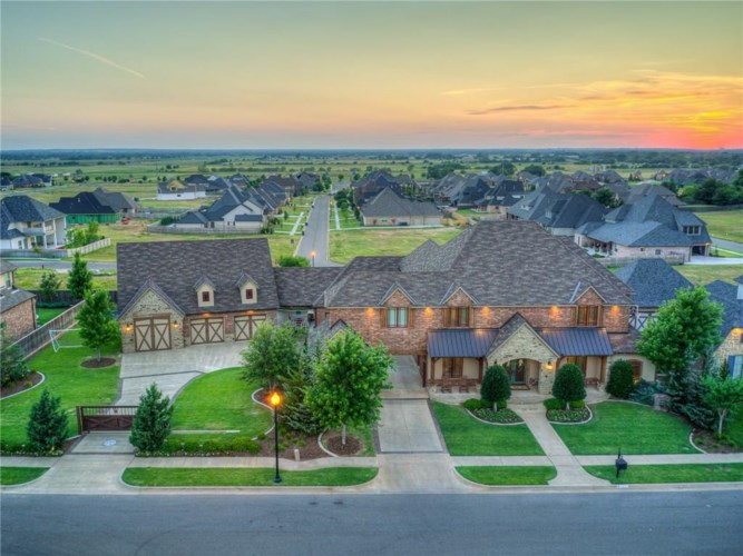 3200 ROLLING WOODS DR, Norman, OK 73072