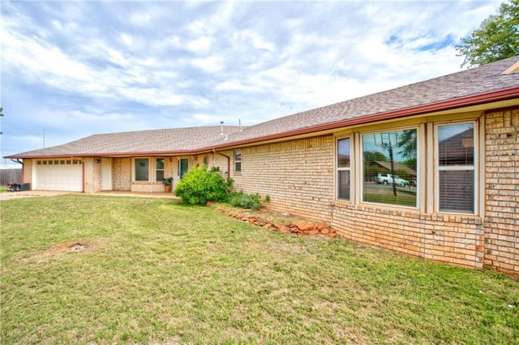 1415 PHEASANT RUN CT, Cordell, OK 73632