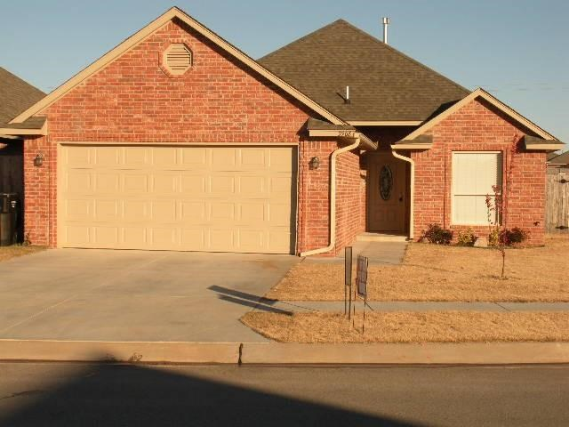 3908 NEW LONDON AVE, Moore, OK 73160