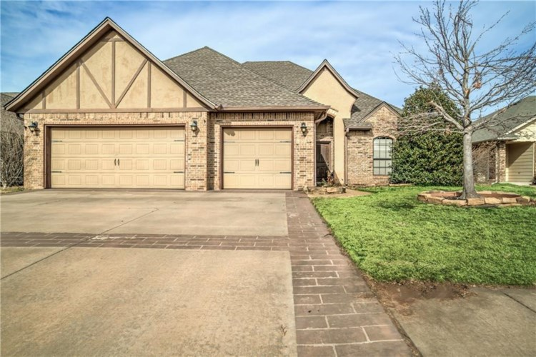 431 OREGON TRL, Edmond, OK 73003