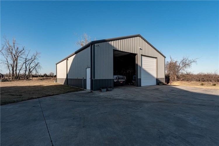 12001 SW 53RD ST, Mustang, OK 73064