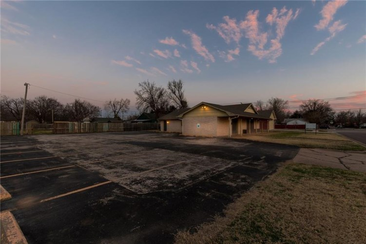 911 N LAHOMA AVE, Norman, OK 73069