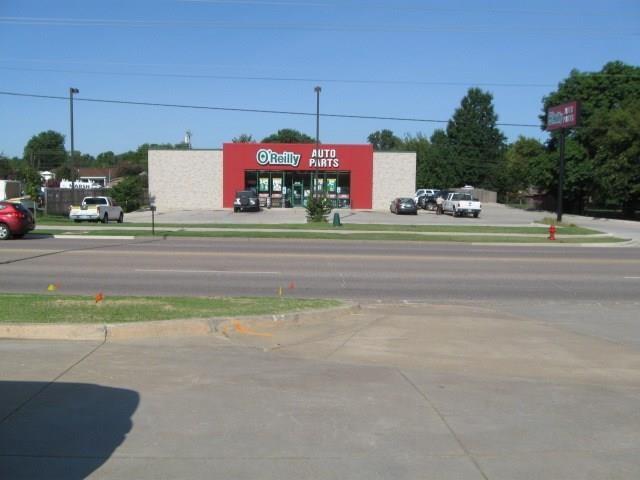 4325 N & 4331 & 4337 N KICKAPOO AVE AVE, Shawnee, OK 74804