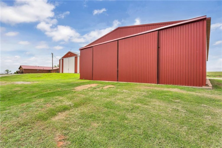 17917 COUNTY ROAD NS 222 RD, Frederick, OK 73542