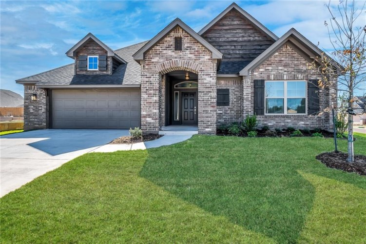 1612 SW 157TH ST, Moore, OK 73170