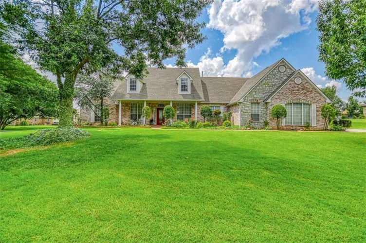 1608 SW 38TH ST, Moore, OK 73160